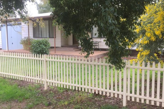 Picture of 6 William Street, URANA NSW 2645