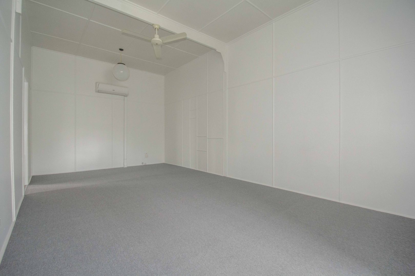 1/12 Kent Street, Bundaberg East QLD 4670, Image 2