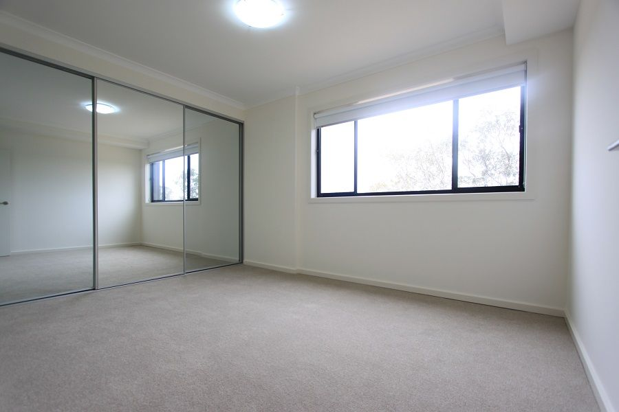 Level 5, 504B/48-56 Derby Street, Kingswood NSW 2747, Image 1
