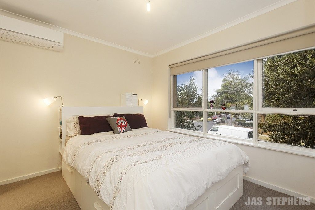 12/1 Hatfield Court, West Footscray VIC 3012, Image 2