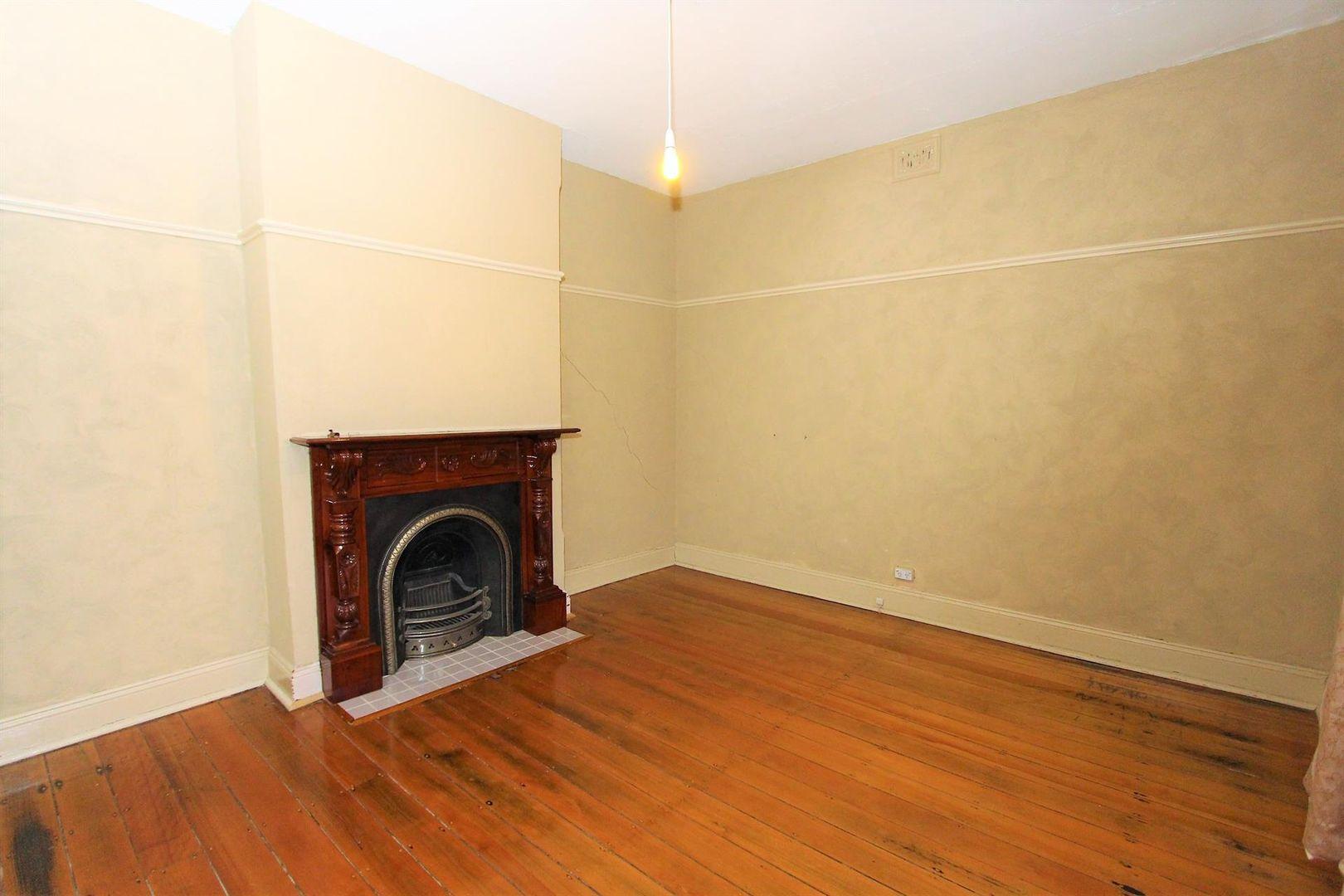 212 Keppel Street, Bathurst NSW 2795, Image 2