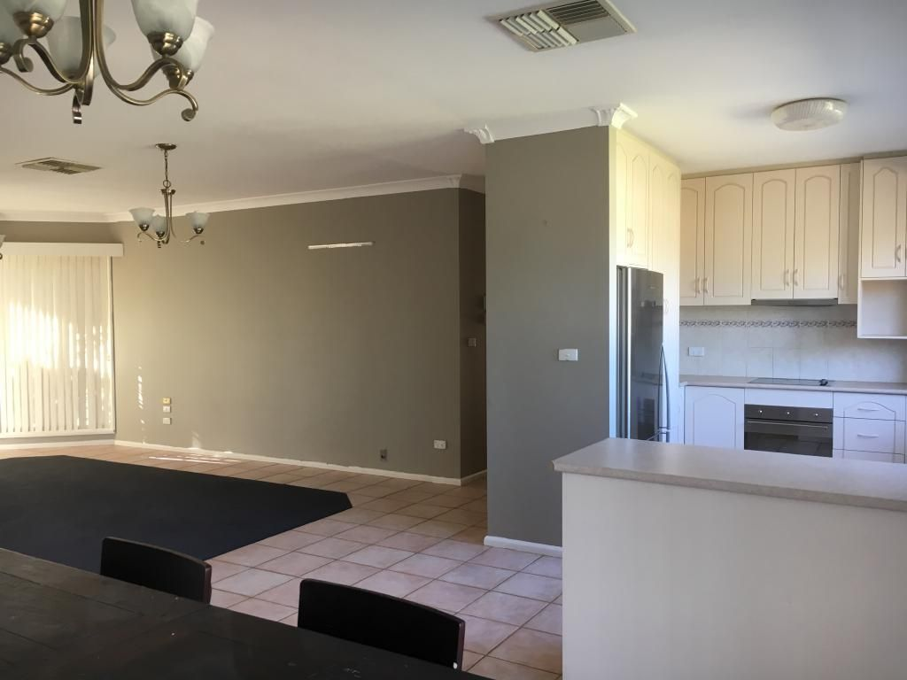 15 Hillview Place, Leeton NSW 2705, Image 1