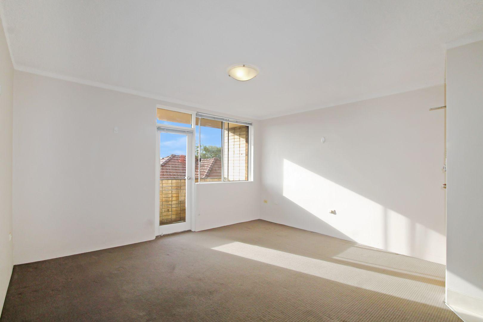 3/5 Western Crescent, Gladesville NSW 2111, Image 1