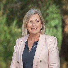 Mandy Berenyi, Sales representative