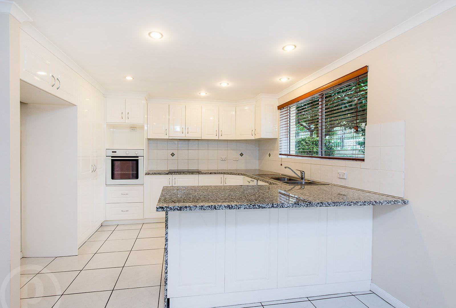 71 Granadilla Street, Macgregor QLD 4109, Image 1