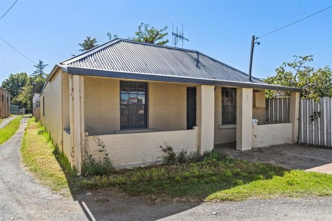 Picture of 1 Oliver Street, GOULBURN NSW 2580