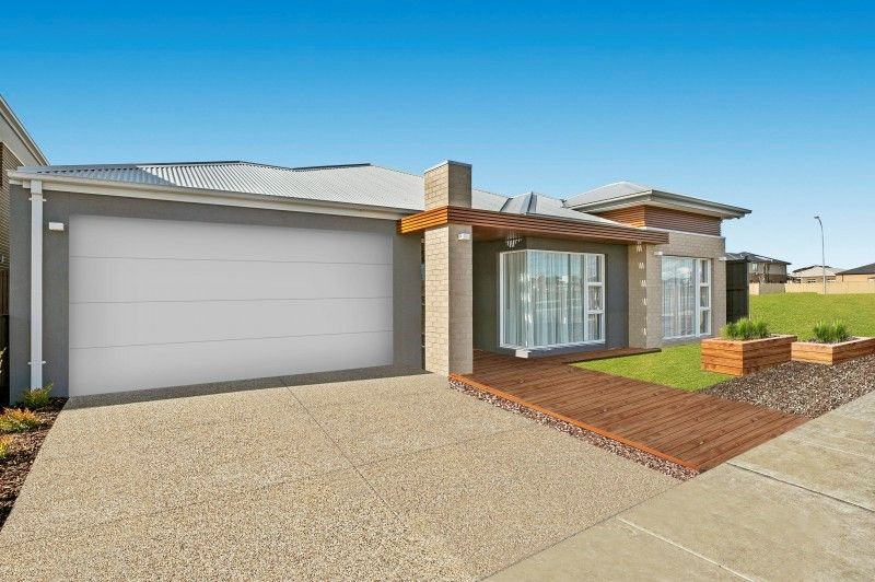 4 Murphy  Street, Clyde North VIC 3978, Image 1