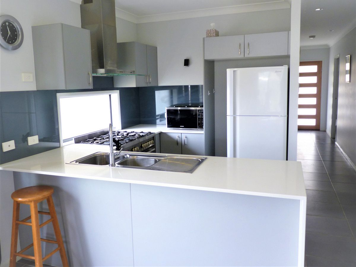 3 Grove Place, Flagstone QLD 4280, Image 2
