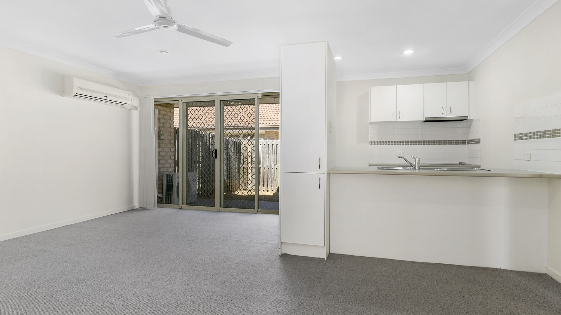 17/8 Rosegum Place, Redbank Plains QLD 4301, Image 2