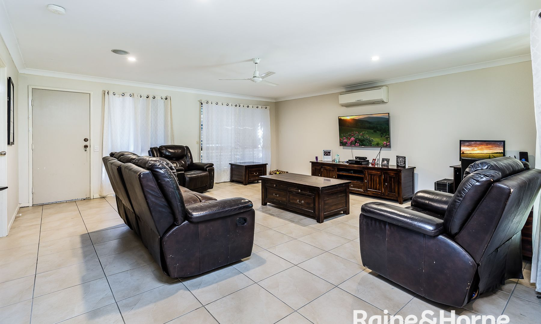 16 Frogmouth Court, Upper Caboolture QLD 4510, Image 2