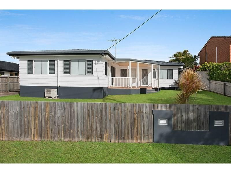 1/10 Wavell Avenue, Golden Beach QLD 4551, Image 0