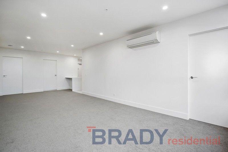 3703/500 Elizabeth Street, Melbourne VIC 3000, Image 2
