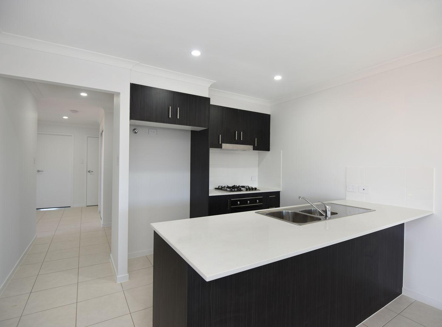 2/76 Shelby Street, Glenvale QLD 4350, Image 1