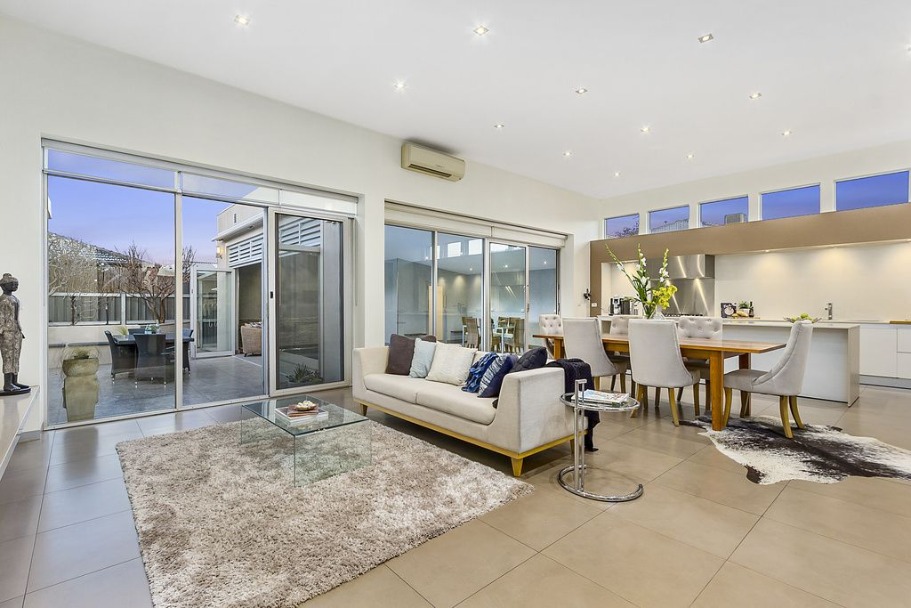 31 Orchid Avenue, Reservoir VIC 3073, Image 2