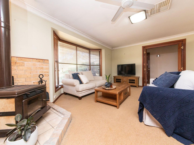 22 Pine Knoll Drive, Dubbo NSW 2830, Image 2