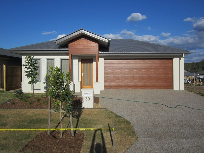 39 Scheyville Crescent, South Ripley QLD 4306, Image 0