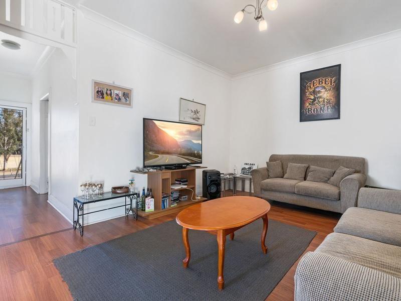 6 Shadforth Street, Molong NSW 2866, Image 2