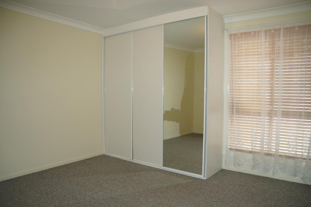 1/42-44 Mountbatten Drive, Dubbo NSW 2830, Image 2