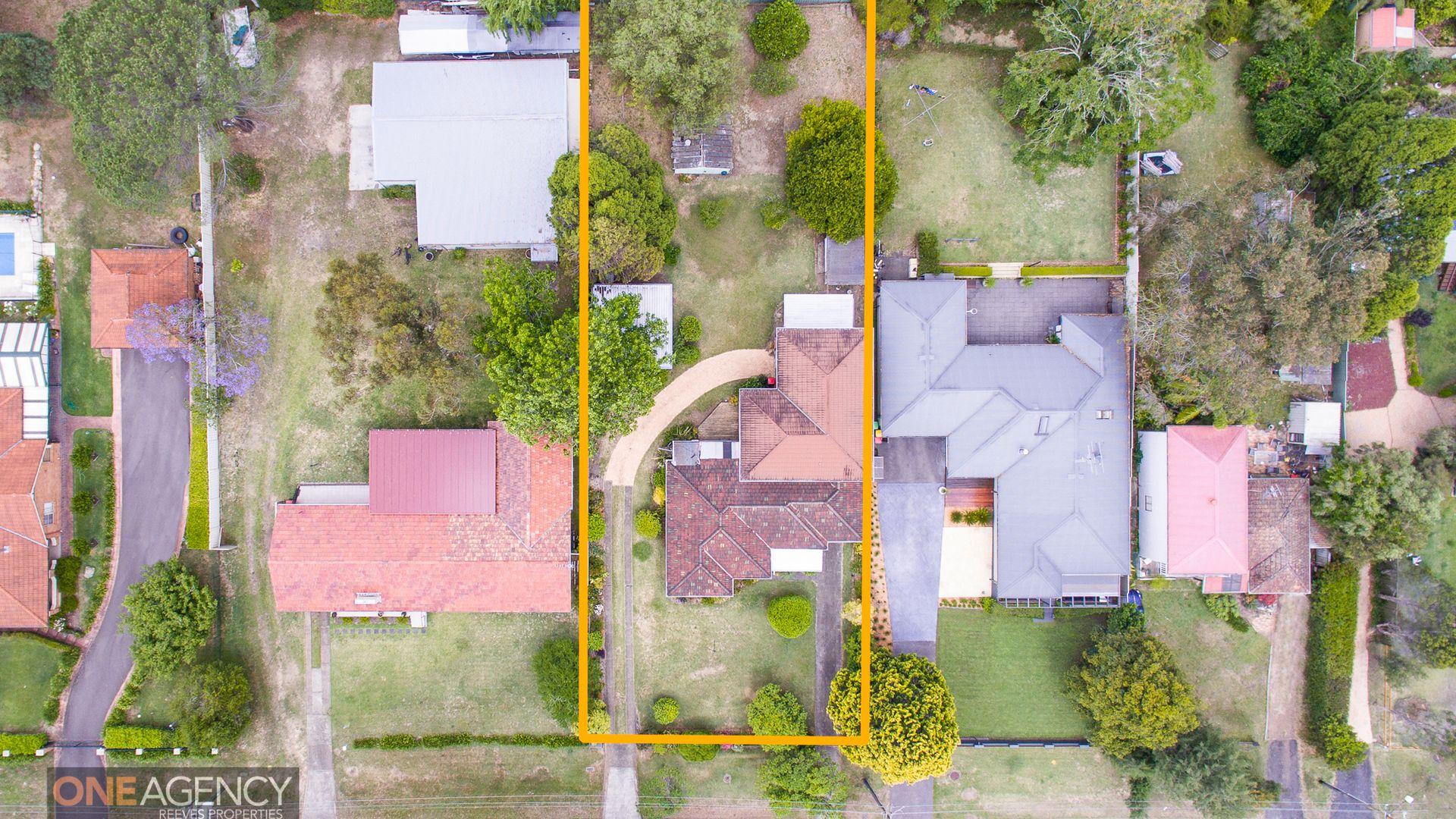 10 Skarratt Avenue, Glenbrook NSW 2773, Image 2