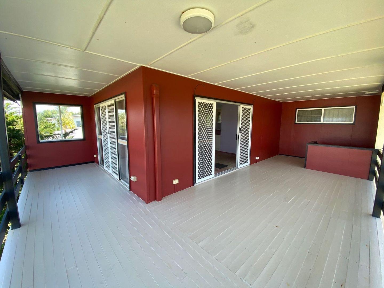 37 Owen Jenkins Drive, Sarina Beach QLD 4737, Image 2