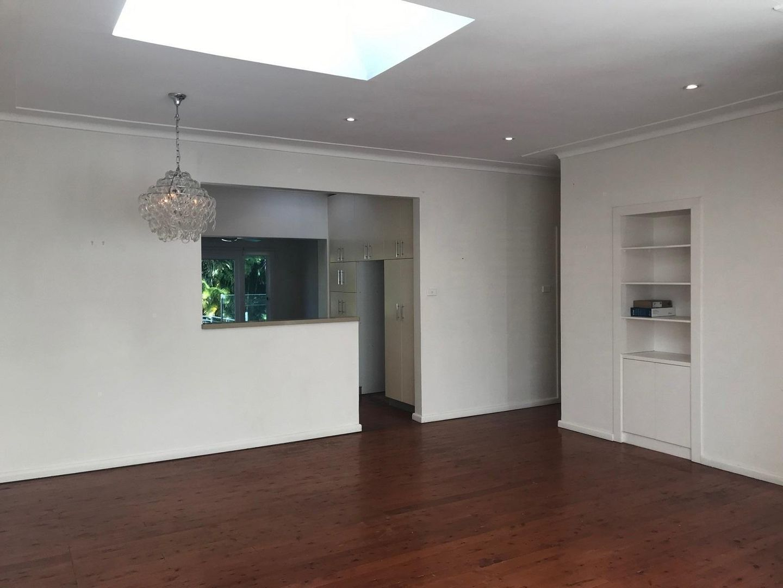 10 Yuruga Avenue, Caringbah South NSW 2229, Image 2