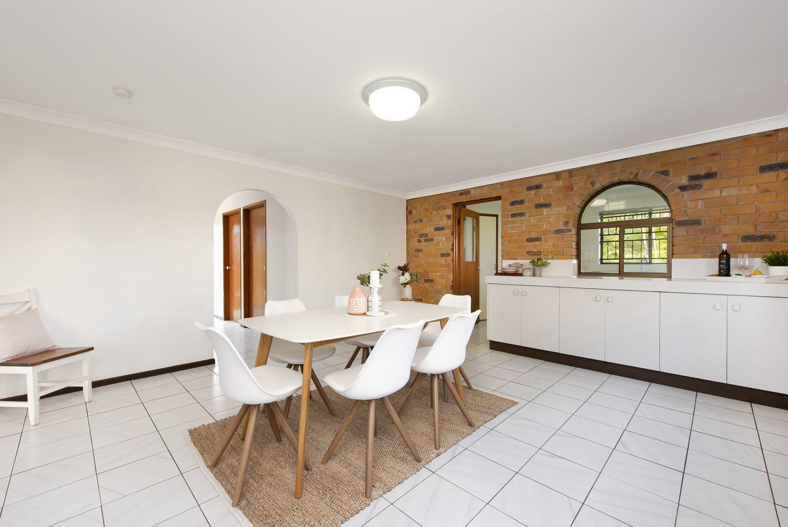 12 Lindisfarne Street, Carindale QLD 4152, Image 2