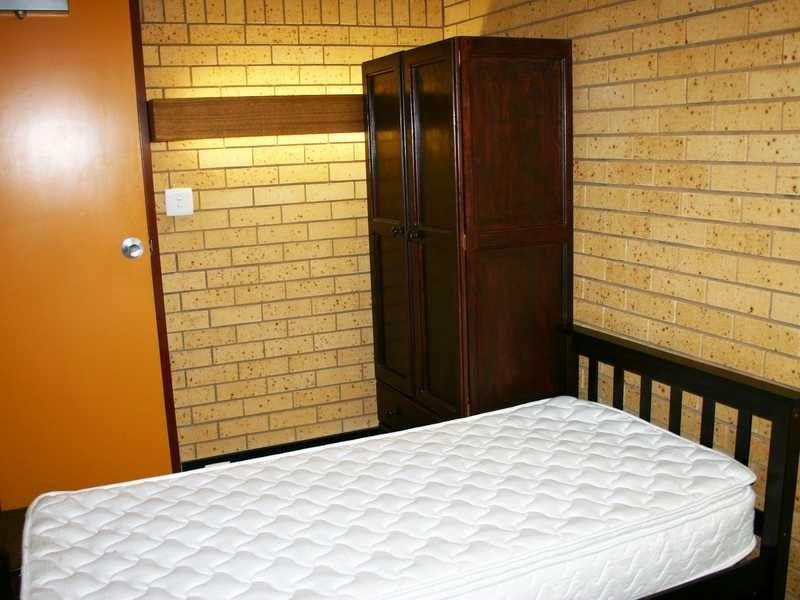 2 Crawley Street, Junee NSW 2663, Image 2