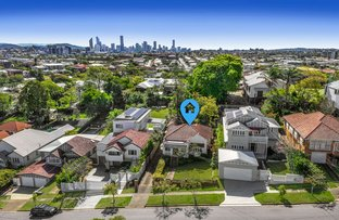 Picture of 62 Hipwood Avenue, Coorparoo QLD 4151