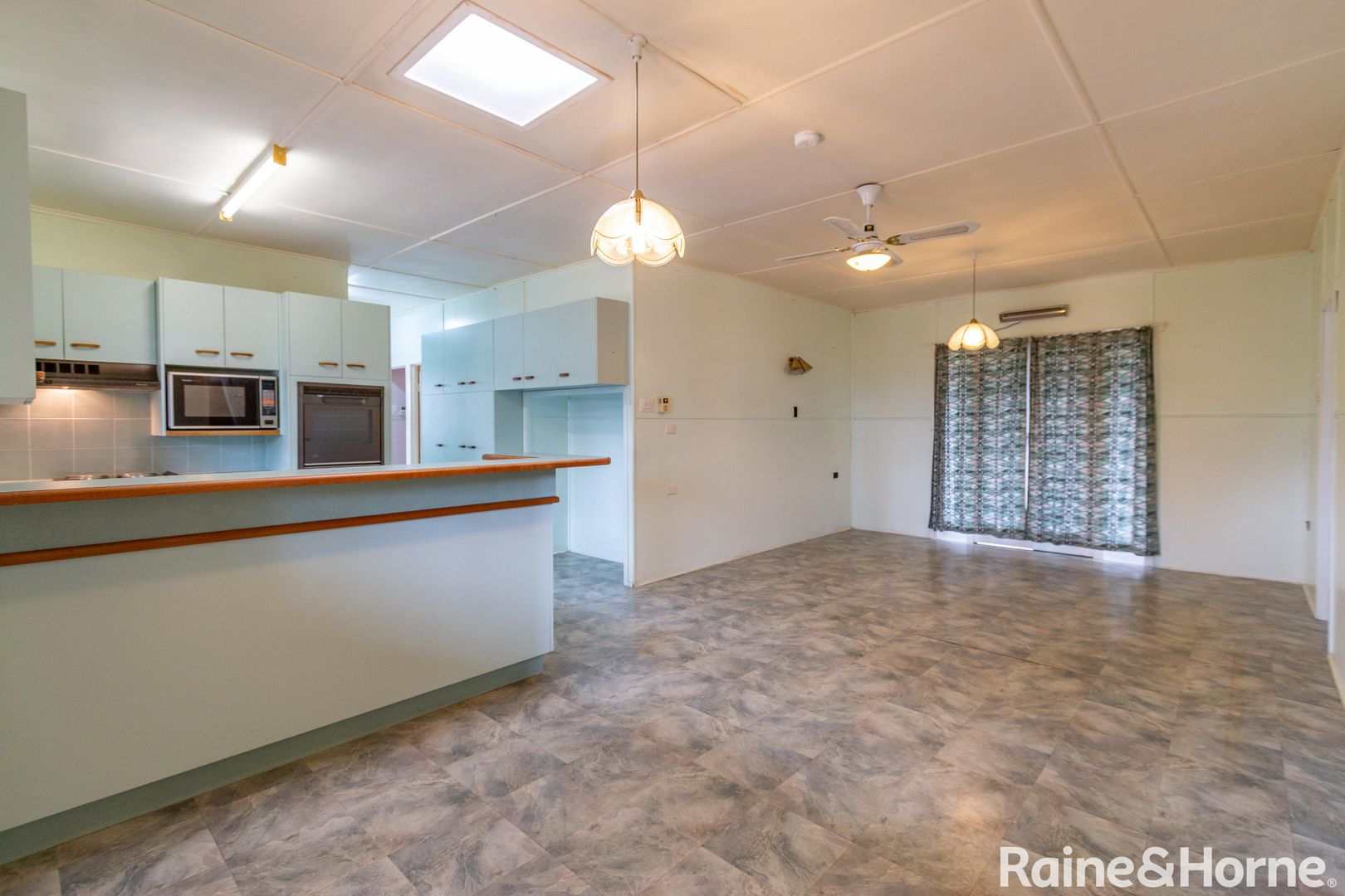1 Crawford Street, Walkervale QLD 4670, Image 2
