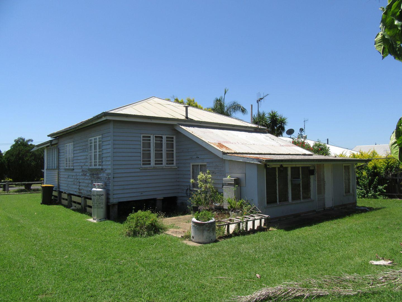 24 Mccracken St, Walkervale QLD 4670, Image 2