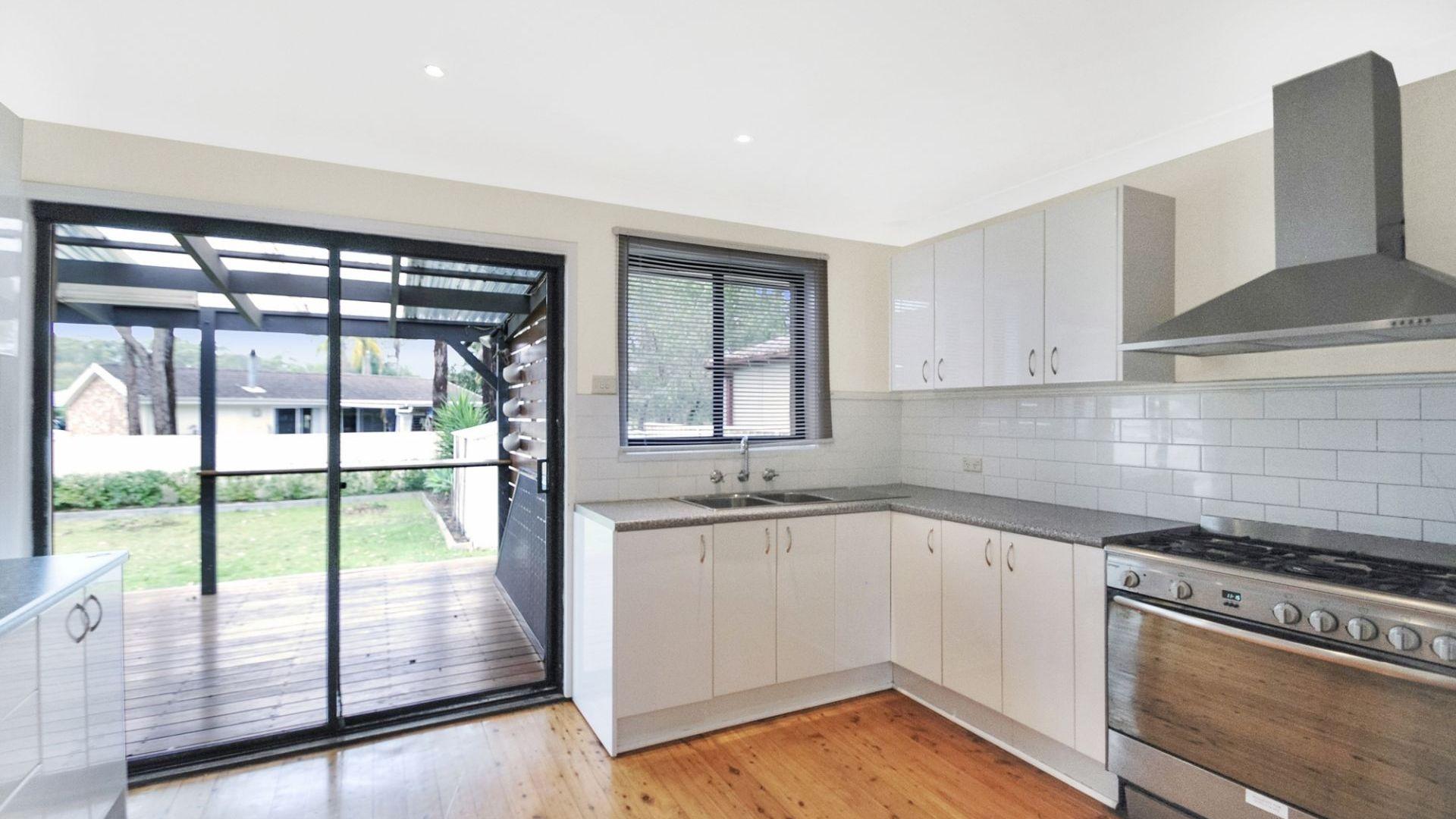 7 Samantha Crescent, Kincumber NSW 2251, Image 2