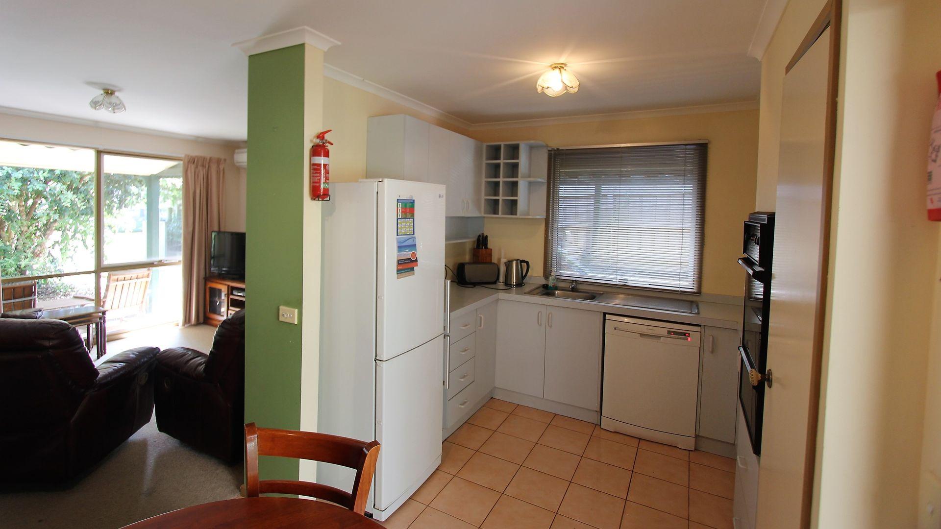 21 Queen Street, Loch VIC 3945, Image 2
