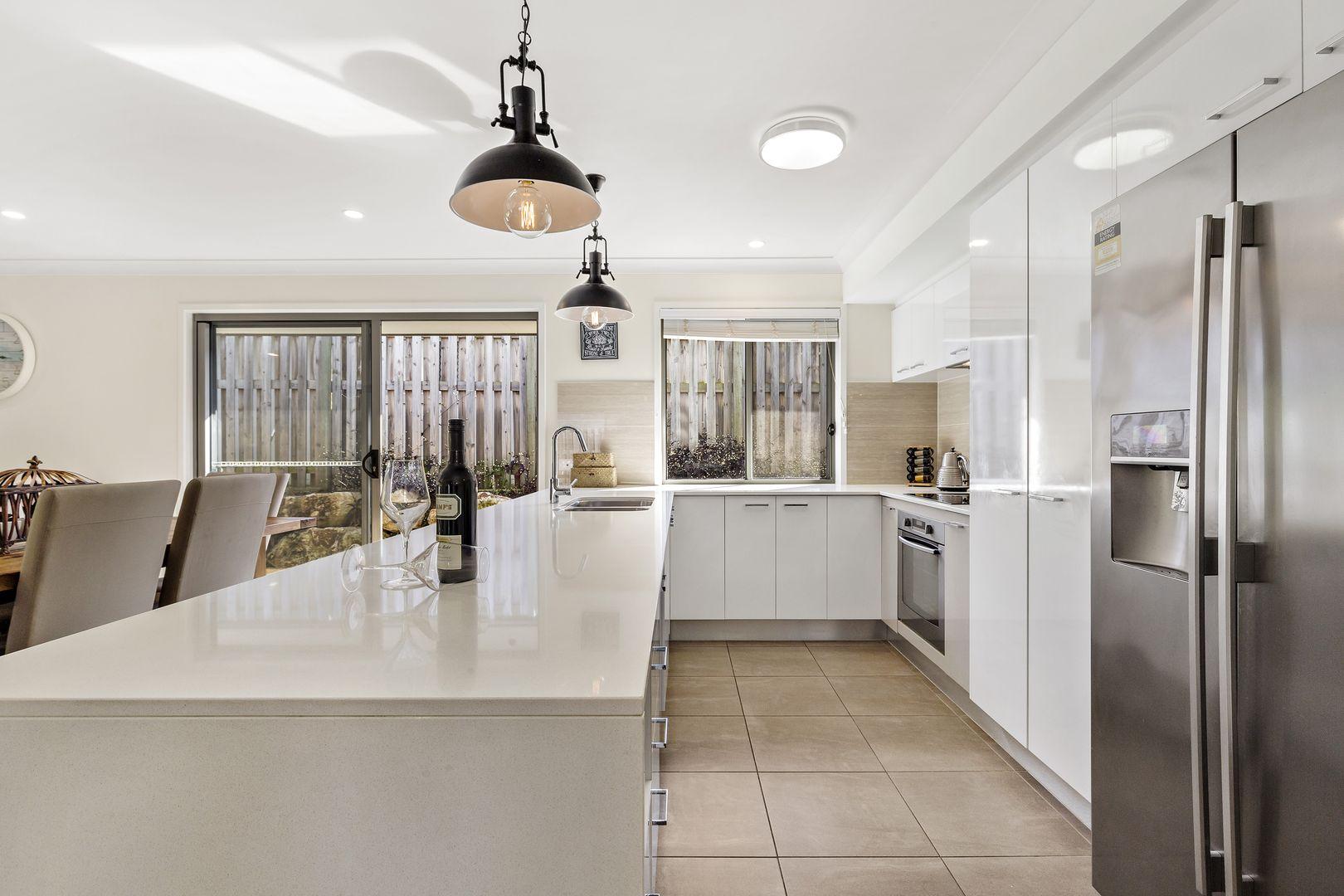 7 Golden Wattle  Avenue, Mount Cotton QLD 4165, Image 2