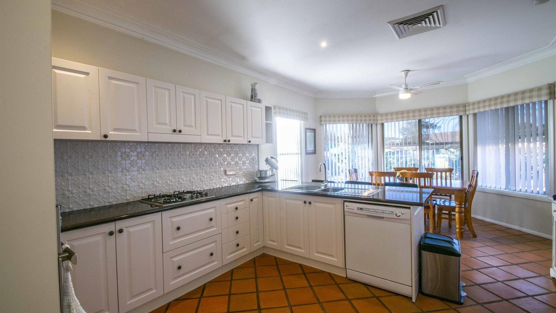 6 Campese Court, Dubbo NSW 2830, Image 2