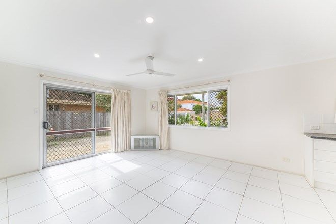 Picture of 1/20 Parneno Street, CHEVRON ISLAND QLD 4217