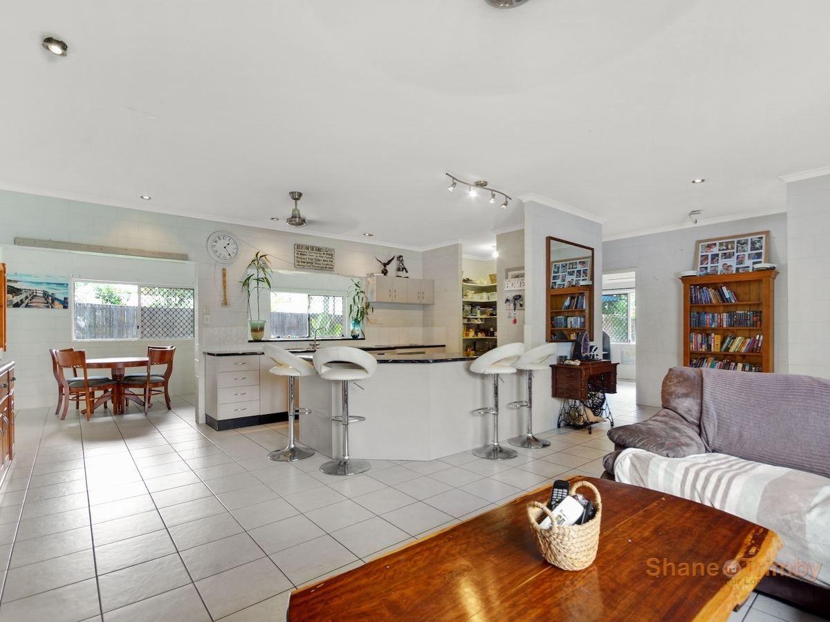 9 Reliance Close, Bentley Park QLD 4869, Image 1