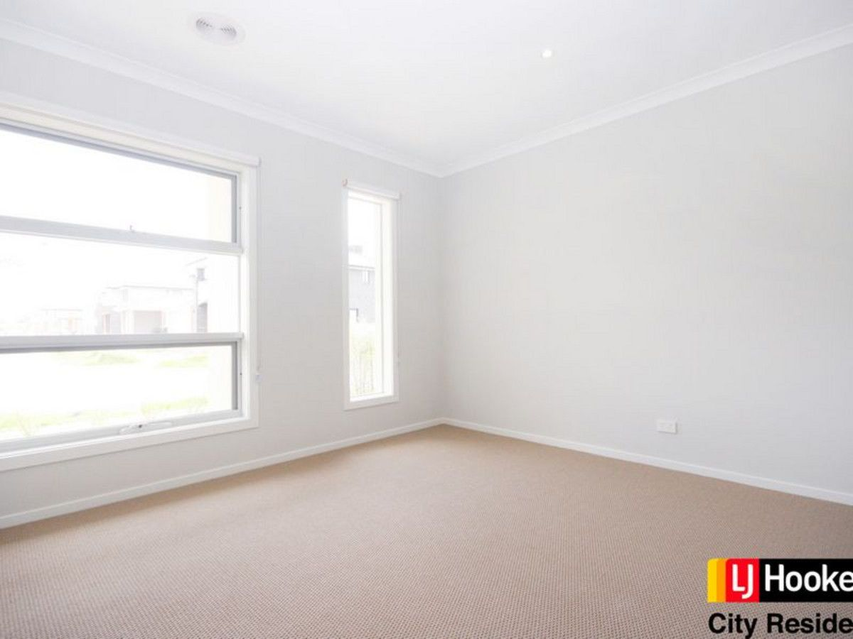 22 Roundhay Crescent, Point Cook VIC 3030, Image 0