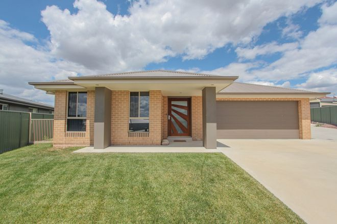 Picture of 5 Mulley Close, WINDRADYNE NSW 2795