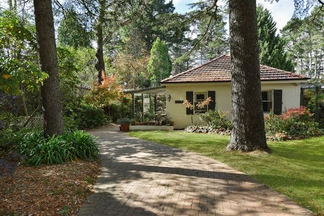 Picture of 52 Balmoral Road, LEURA NSW 2780
