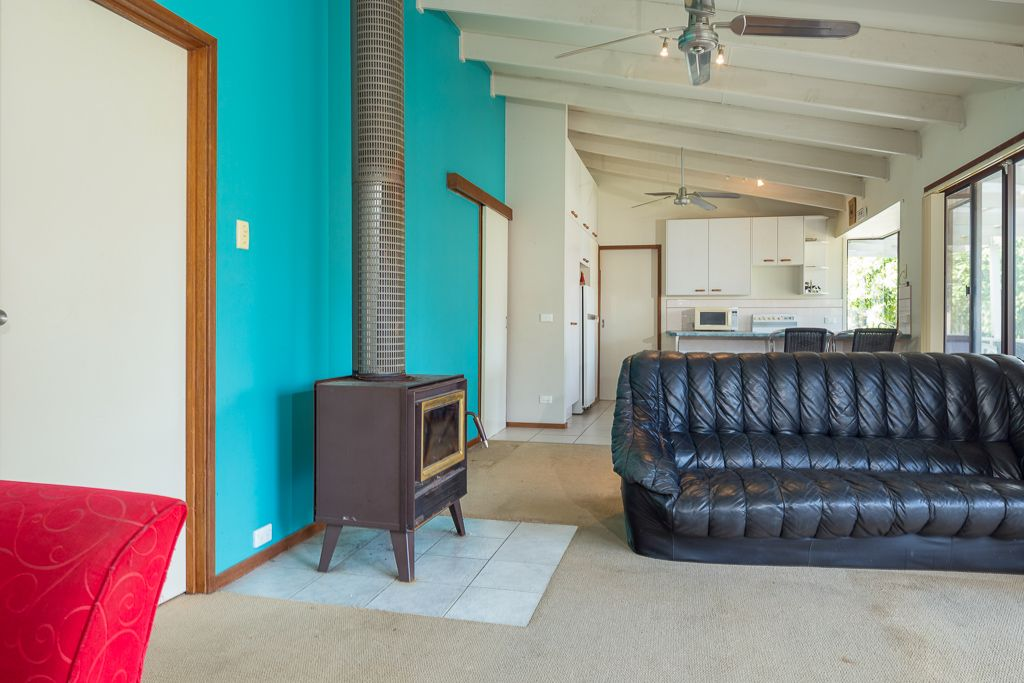 60 Catalina Drive, Catalina NSW 2536, Image 2
