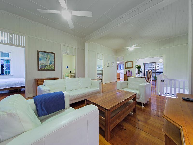 63 Hipwood Avenue, Coorparoo QLD 4151, Image 1