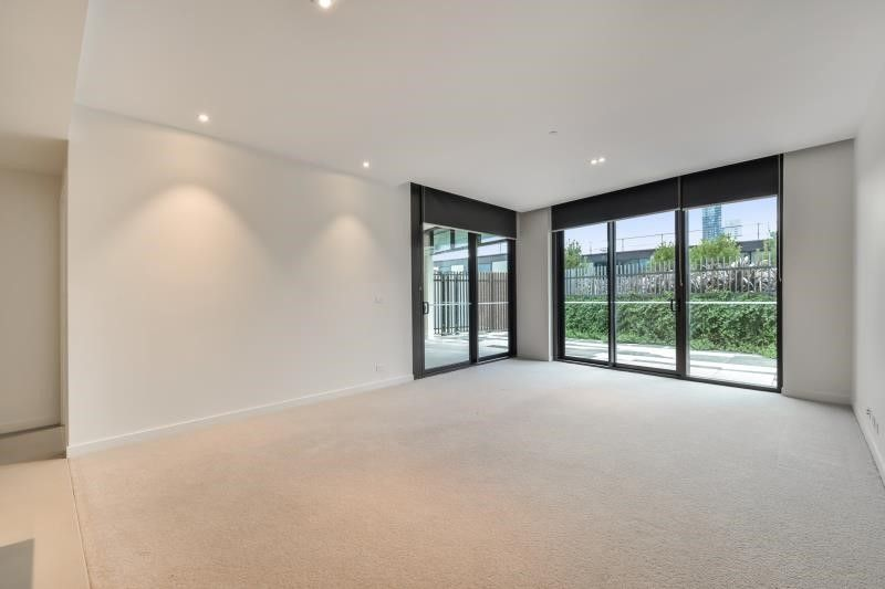 703/9 Waterside Place, Docklands VIC 3008, Image 1