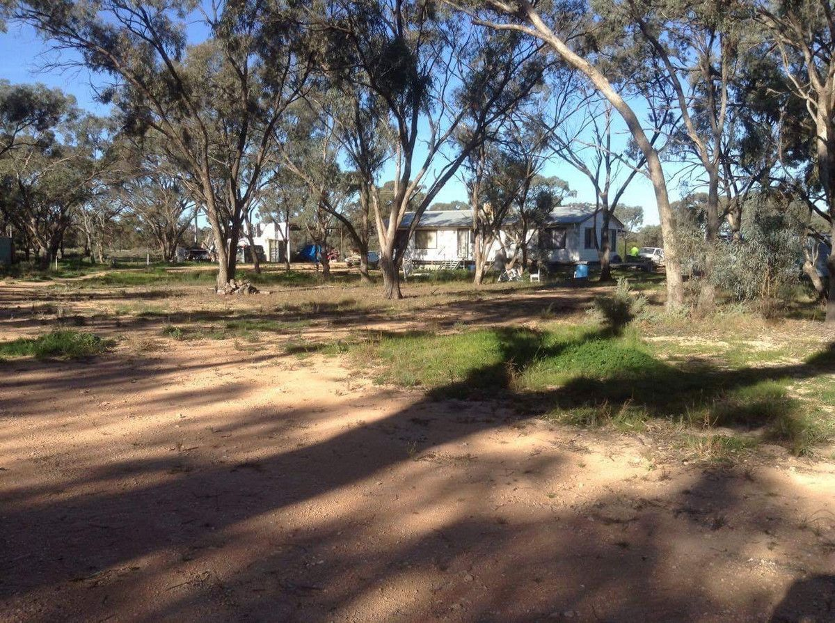 6561 Swan Hill Road, Moulamein NSW 2733, Image 2