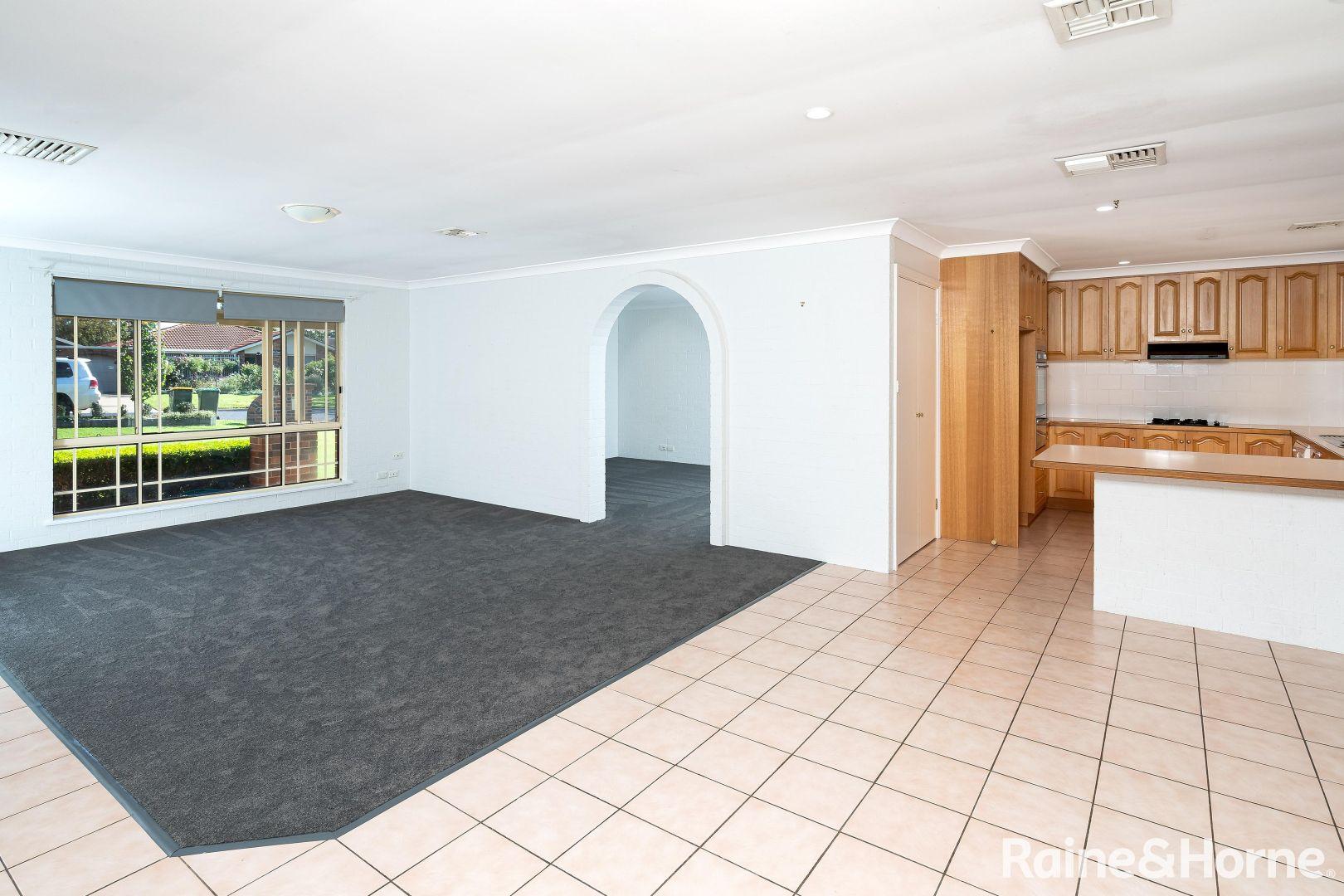 30 Lamilla Street, Glenfield Park NSW 2650, Image 1