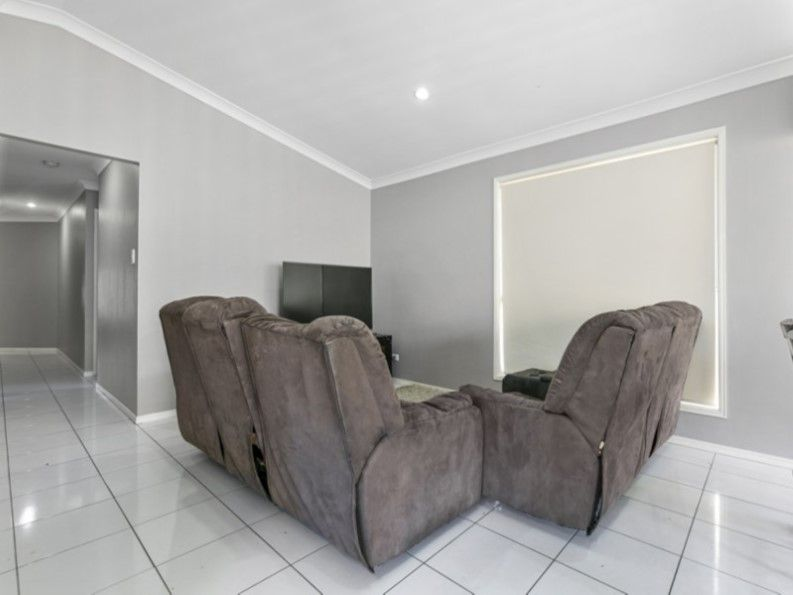 7 Windermere Street, Raceview QLD 4305, Image 2