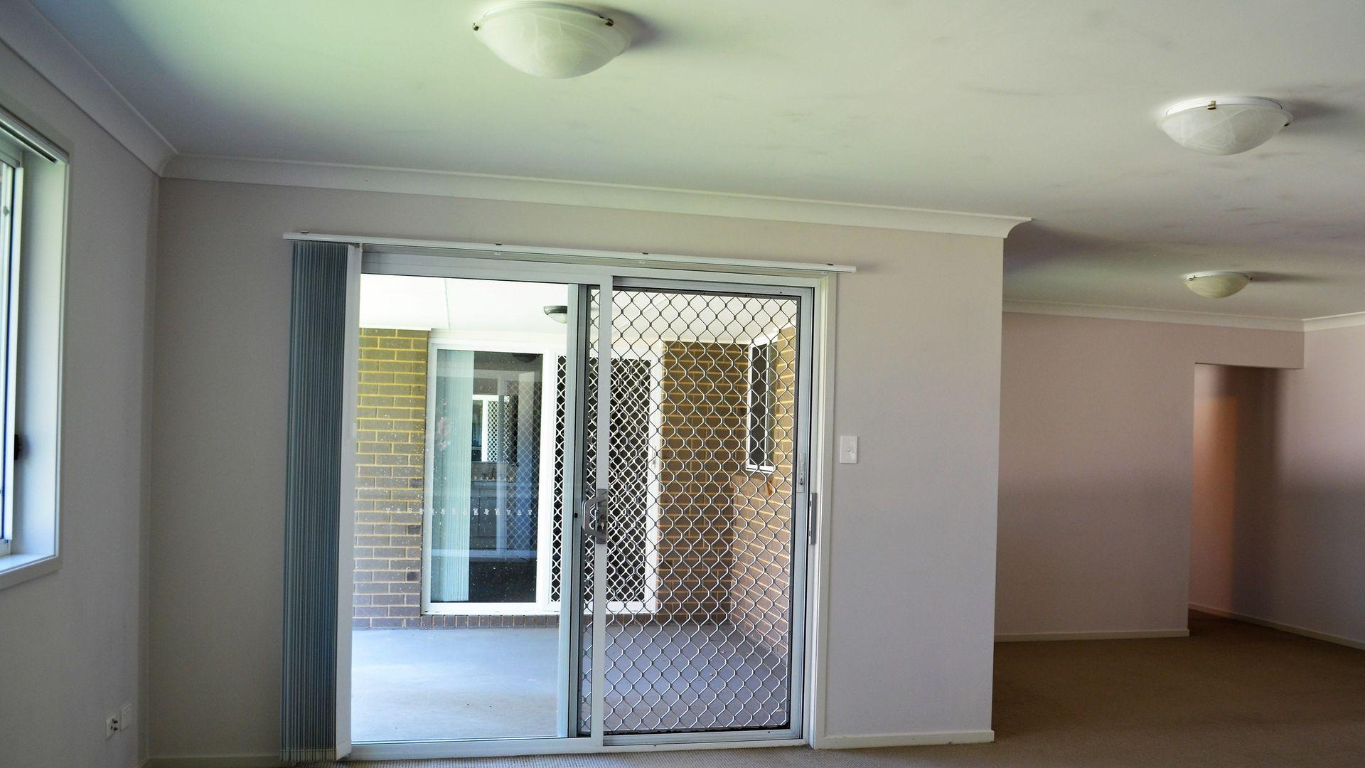12 Kelat Ave, Wadalba NSW 2259, Image 2