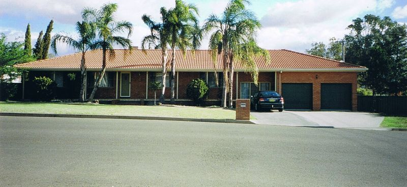 2 Morilla St, South Tamworth NSW 2340, Image 0