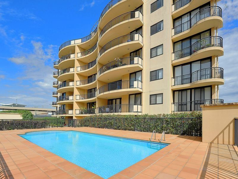 401/25-29 Hunter Street, Hornsby NSW 2077, Image 0