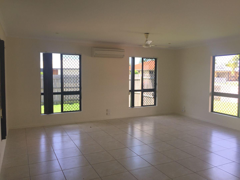 2 Mark Crescent, Glenella QLD 4740, Image 1