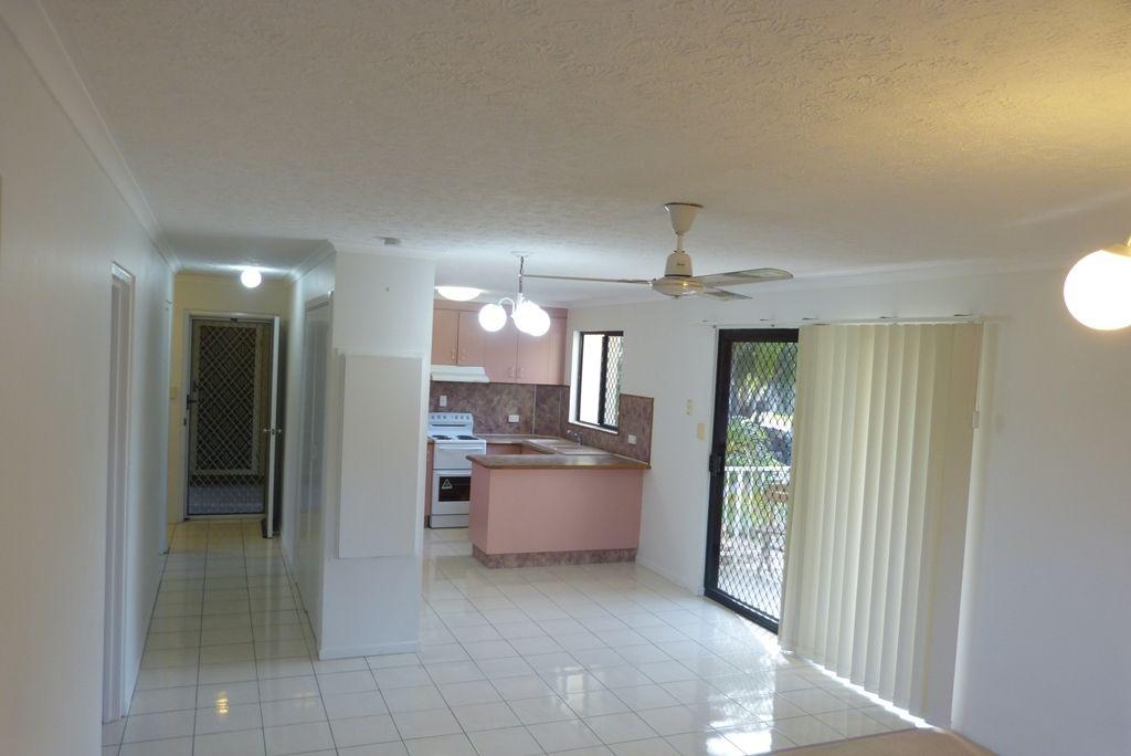 1/32 Beach Avenue, Tannum Sands QLD 4680, Image 2